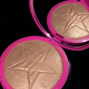 "Jeffrey Star Skin Frost in ""Siberian Gold"""